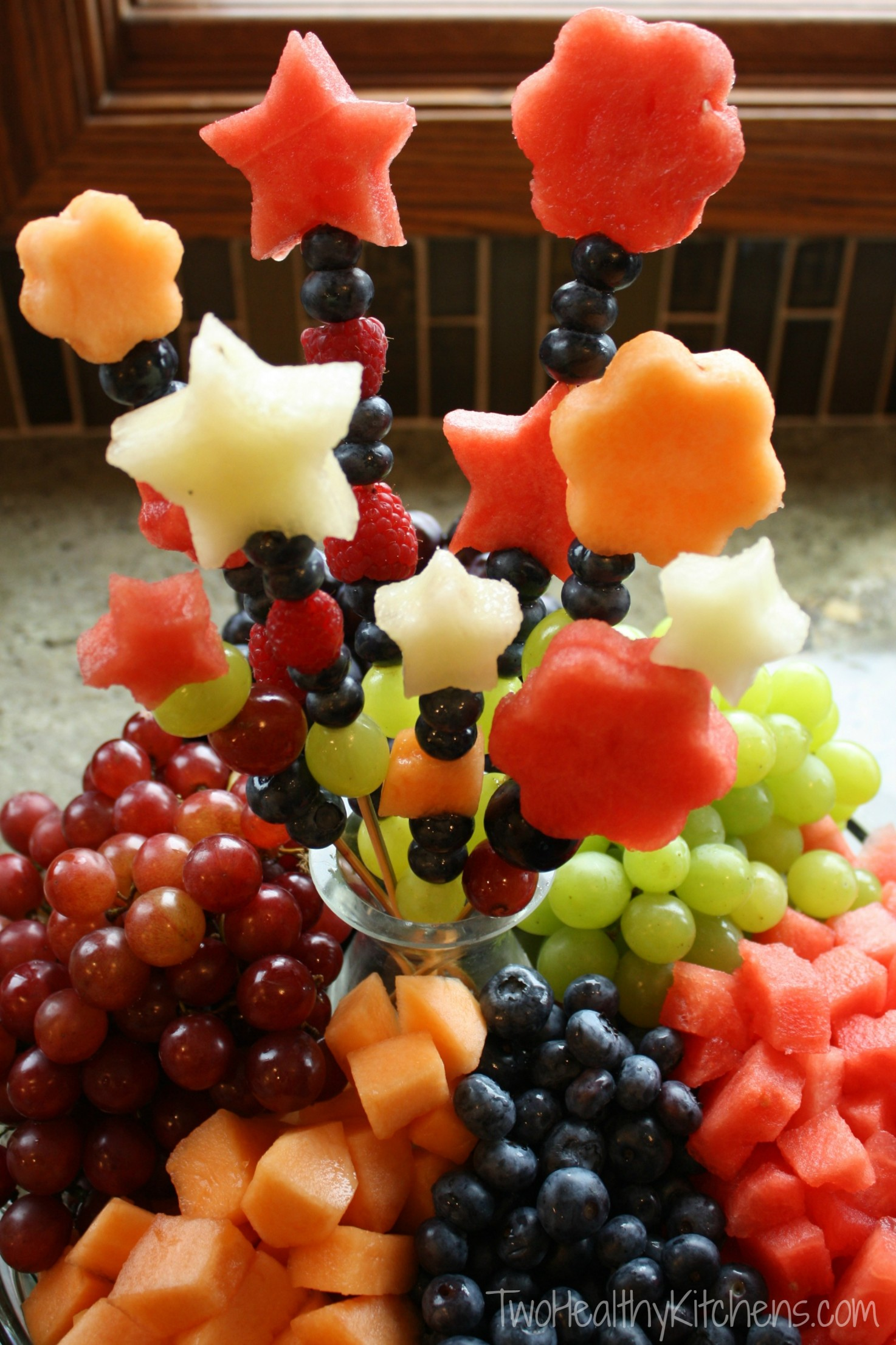 How to make fruit bouquets and fruit kabob skewers how to make fruit bouquets and fruit kabobs twohealthykitchens izmirmasajfo