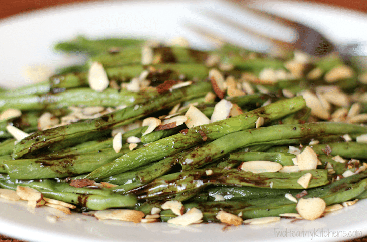 An easy, incredibly delicious green bean recipe that'll have 'em ...