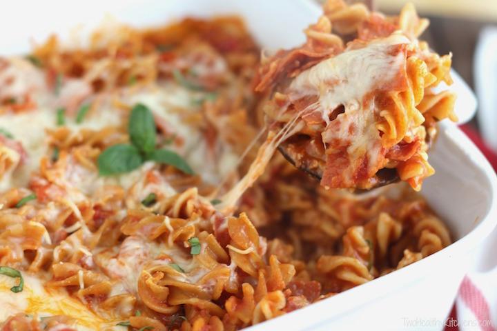 Easy, Cheesy 5-Ingredient Pizza Pasta Bake Recipe {www.TwoHealthyKitchens.com}