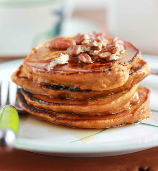 Bloggers shared their #1 most popular, all-time best healthy breakfast ideas! These top reader-favorites are all really easy, super-delicious, absolute must-try recipes!   www.TwoHealthyKitchens.com